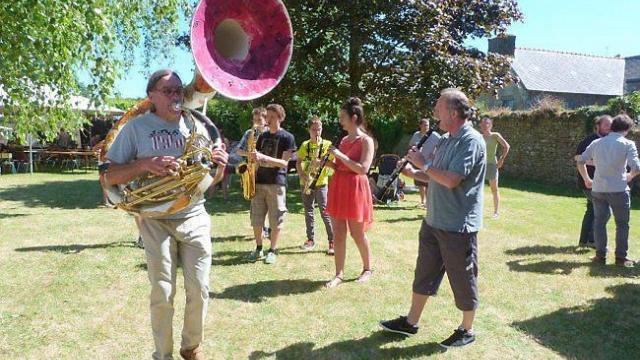 le-soleil-et-le-public-au-rendez-vous-du-festival-de-jazz
